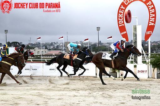 8º Páreo – GP Paraná Jockey Plaza (G3) – No Ar surpreendeu a todos!