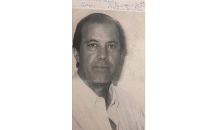 Jockey homenageia ex-presidente Cezar de Oliveira Franco