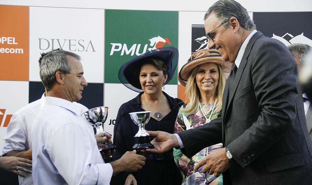 Turfistas agradecem Família Lupion pelo auxílio na conquista da Carta Patente